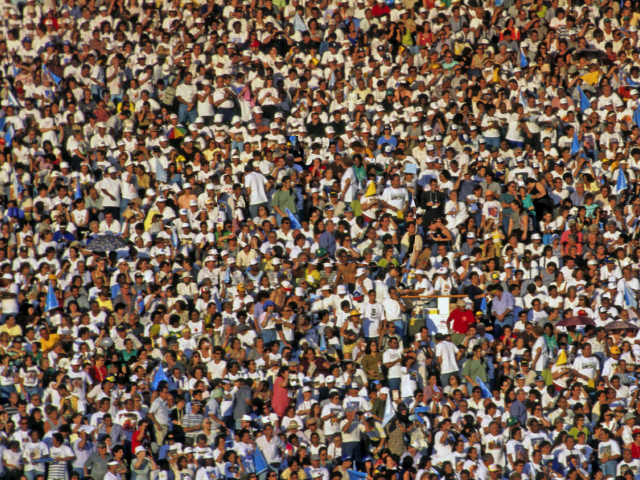 external image crowd.png
