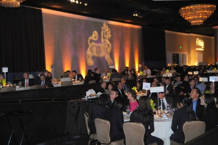 The Annual Dinner attracted nearly 800 supporters. (Dan Avila Photography)