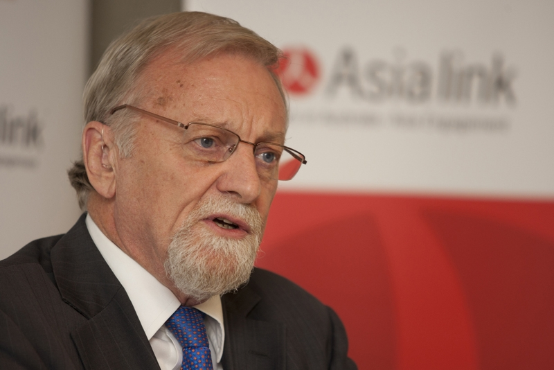 Former Australian Foreign Minister and International Crisis Group President Gareth Evans in Melbourne on Feb. 21, 2011. (Asialink-Asia Society Australasia Centre)