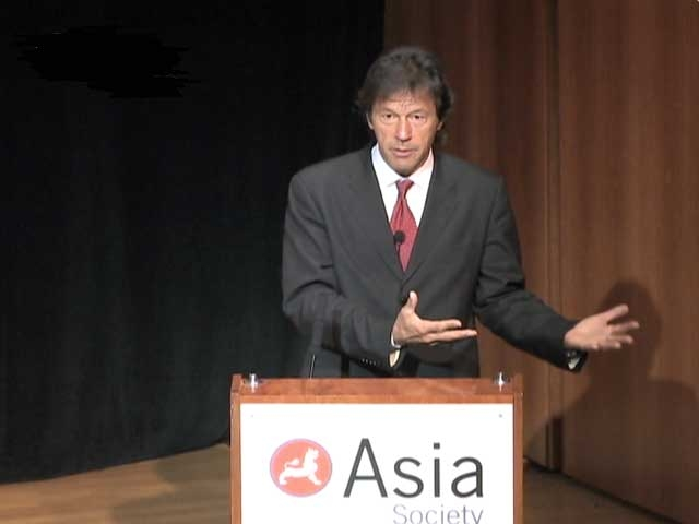 Imran Khan explains the political ills afflicting Pakistan, and reflects on the younger generation's attitude toward India, in New York on Jan. 25, 2008. (4 min., 45 sec.)