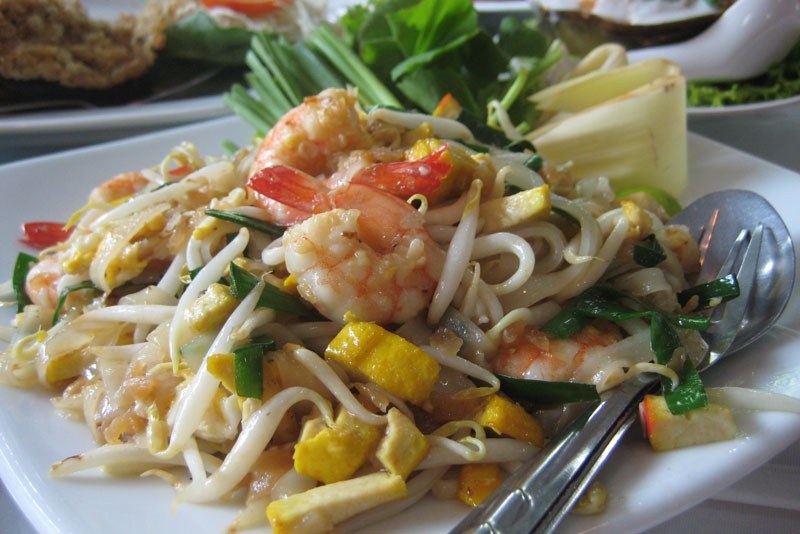 Pad Thai. (Image via Wikipedia)
