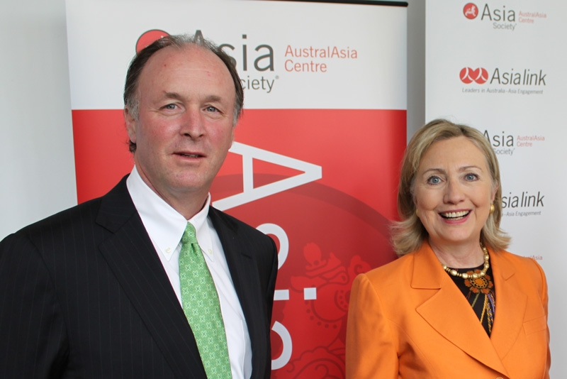 US Secretary of State Hillary Rodham Clinton (R) with Sid Myer (L), Chairman Asia Society, in Melbourne on November 7, 2010. (William McCallum, Asialink)