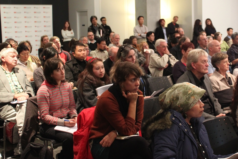 Audience members at a Melbourne forum on the crisis in Japan hosted by Asialink, Asia Society AustralAsia Centre, and the University of Melbourne on April 12, 2011.