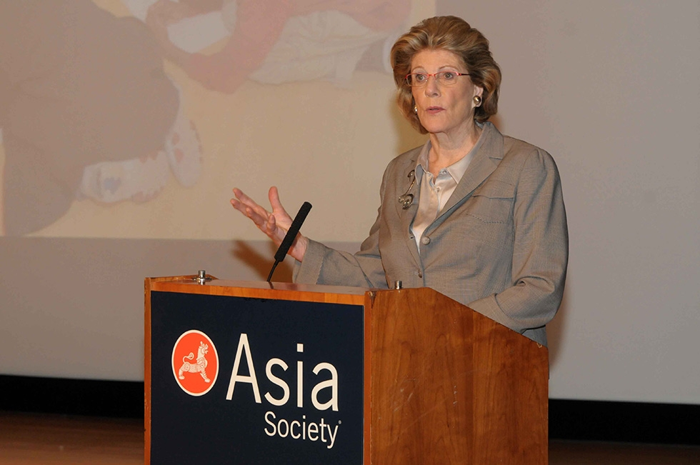 Philanthropist, art patron, and Asia Society Museum supporter Agnes Gund speaking at the opening ceremony. (Elsa Ruiz/Asia Society)