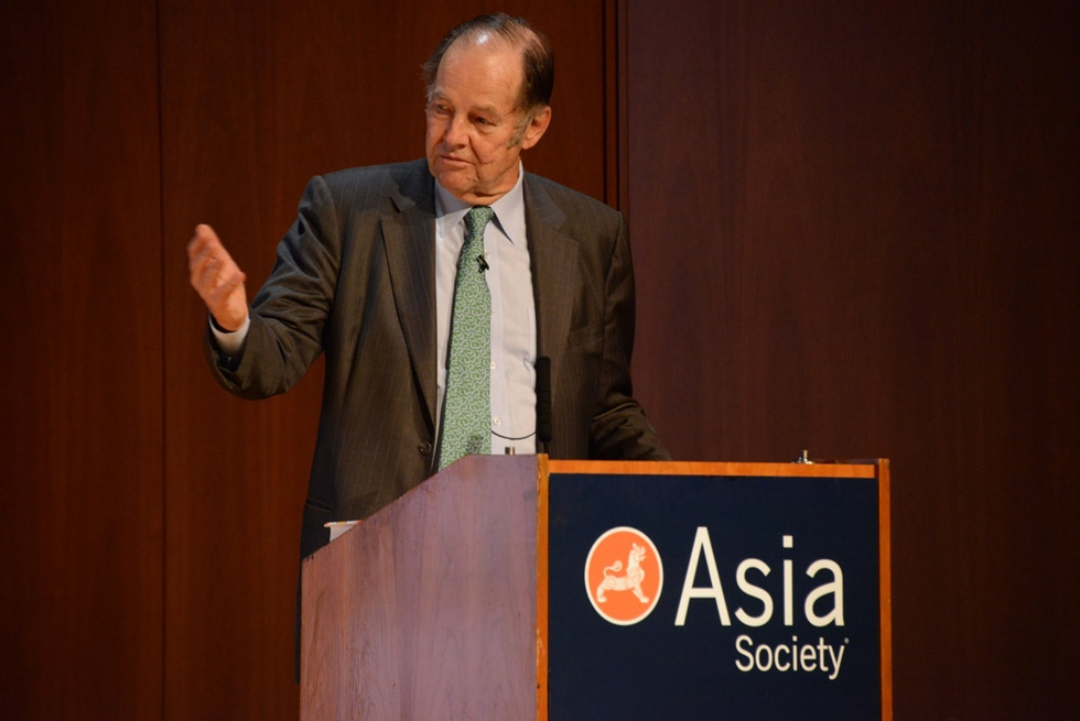 Former New Jersey Governor Tom Kean speaks at Asia Society New York. (Kenji Takigami/Asia Society)