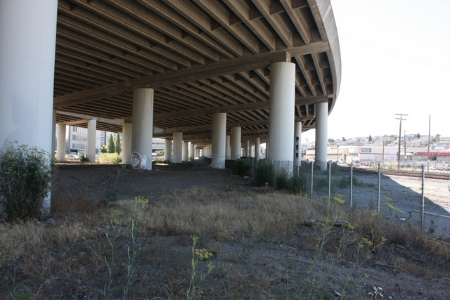 One of the site parcels in question - the land underneath a portion of the I-280 freeway.