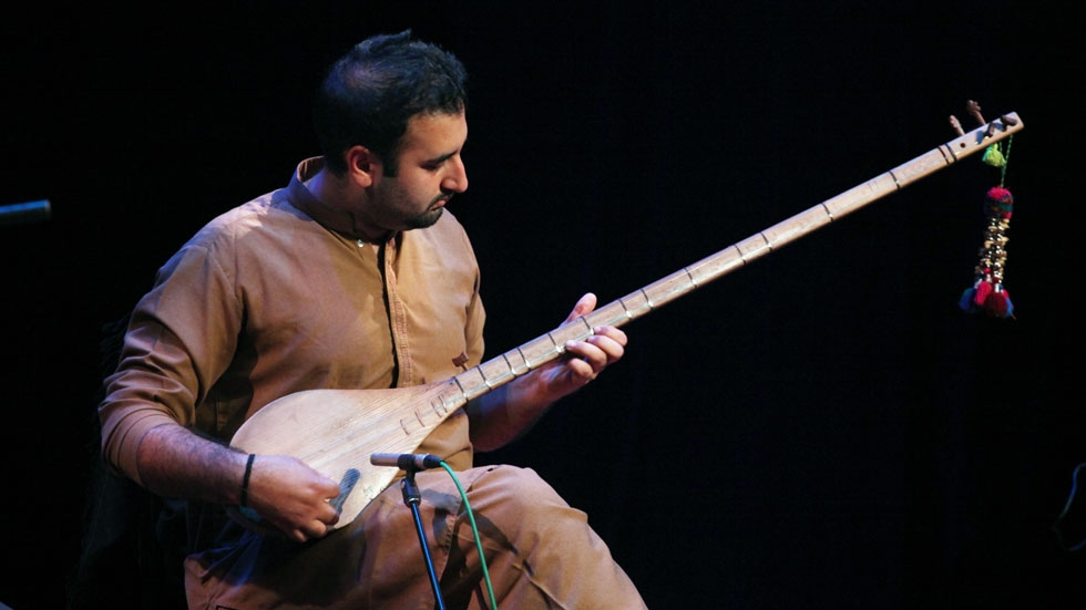 Farhan Bogra switched to Pashtoon sitar for a handful of numbers in the middle of Khumariyaan's Oct. 12 concert. (Ellen Wallop/Asia Society)