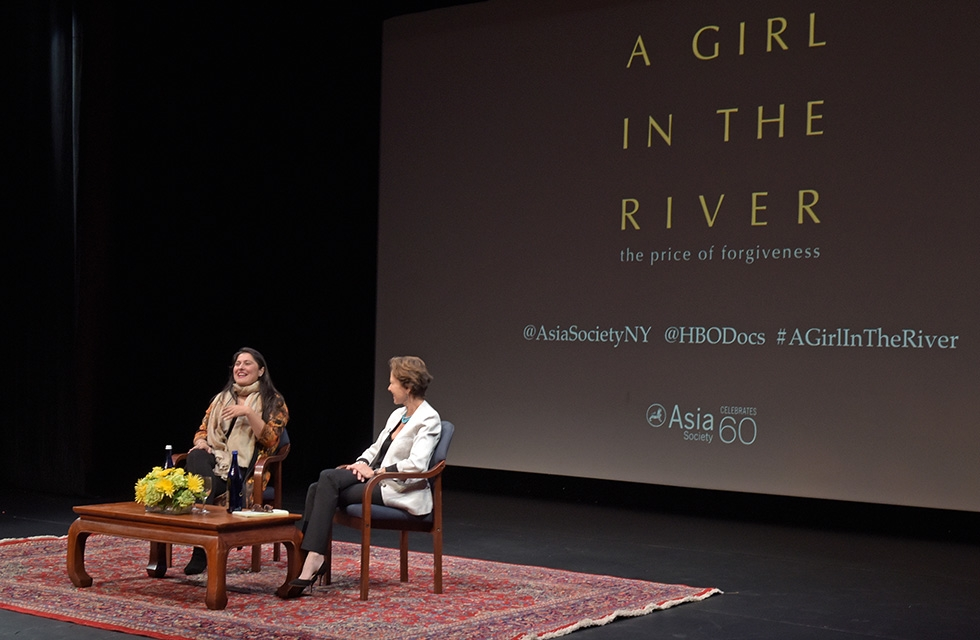 Award-winning director and documentarian Sharmeen Obaid-Chinoy chats with author and journalist Kati Marton after a screening of Obaid-Chinoy's Oscar winning documentary 'A Girl in the River: The Price of Forgiveness' at Asia Society New York on February 18, 2016. (Asia Society/Elsa Ruiz)
