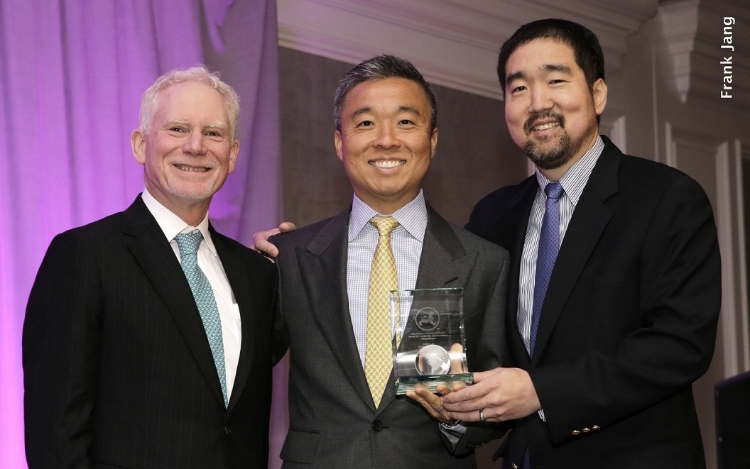 ASNC's Executive Director, Bruce Pickering (left) and Gaylord Yu (right) present a Leadership and Excellence Award in Philanthropy to Gideon Yu (Frank Jang Asia Society)