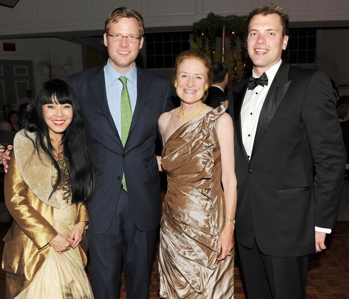L to R: Gemma Kahng, Asia Society Trustee Charles Rockefeller, Asia Society Trustee Henrietta Holsman Fore, and Richard Fore. (Billy Farrell)