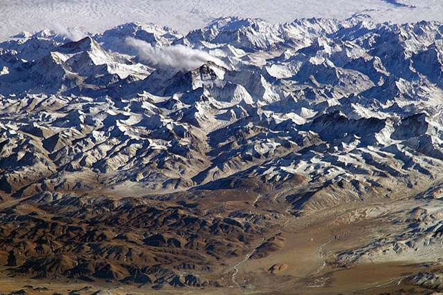 Perspective view of the Himalayas and Mount Everest as seen from space looking south-south-east from over the Tibetan Plateau. (NASA)
