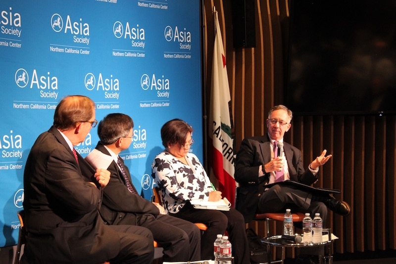On the far right, Professor Thomas B. Gold of UC Berkeley addresses a question from Arnold about China. (Yiwen Zhang/Asia Society)