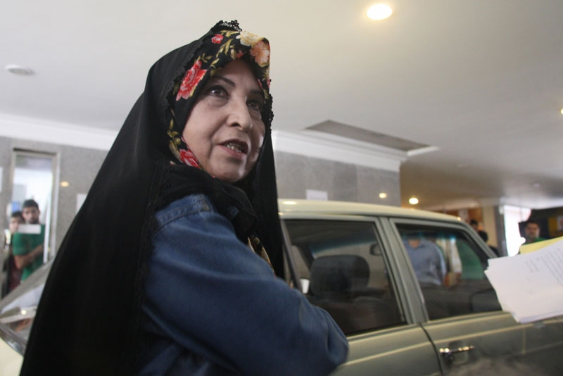 Zahra Rahnavard, the wife of Mir Hossein Mousavi and one of Foreign Policy magazine's 100 Top Global Thinkers, leaves a press conference in Tehran, Iran, June 7, 2009. (Atta Kenare/AFP/Getty Images)