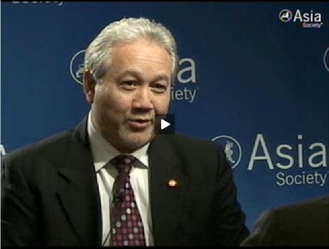 Thai Special Envoy Kiat Sitthiamorn relays his message to former Prime Minister Thaksin Shinawatra at Asia Society in New York on June 14. (58 sec.)