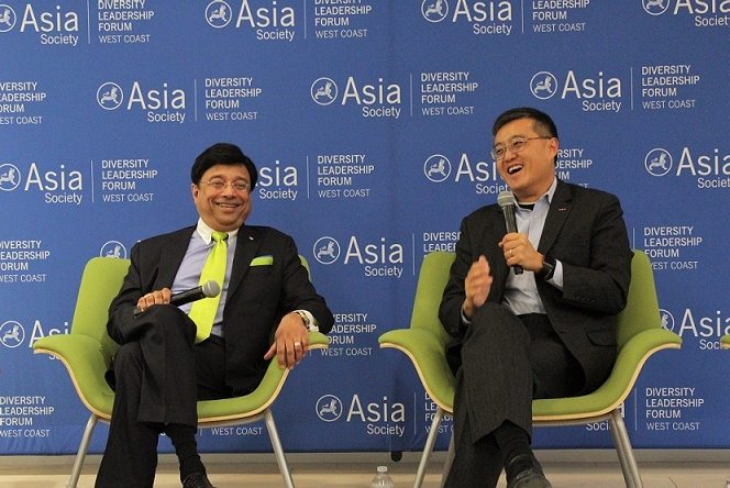 S. Shariq Yosufzai of Chevron Corporation, and Otto Lee, Former Mayor of the city of Sunnyvale, have a laugh during the discussion (Stesha Marcon).