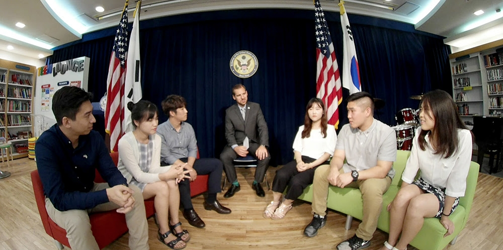 Students gathered at the American Center Korea of the U.S. Embassy Seoul to share their thoughts on the future of the U.S.-Korea relations.