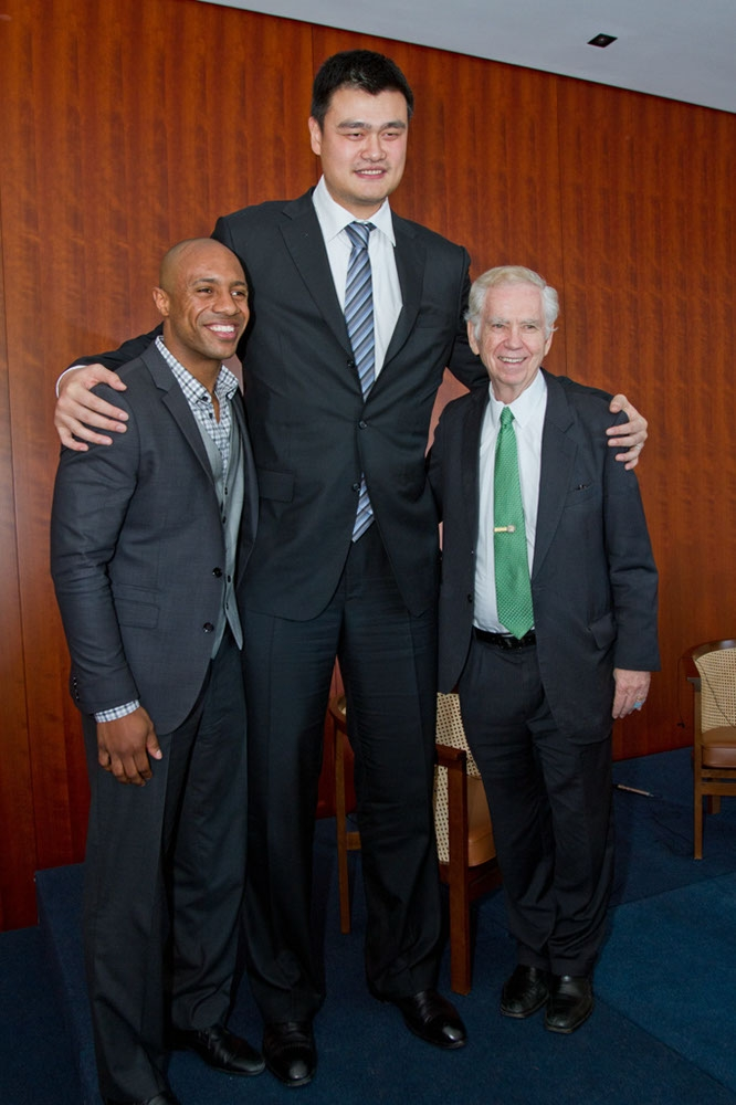 Jay Williams, Yao Ming, and Charles Foster. (Richard Carson)