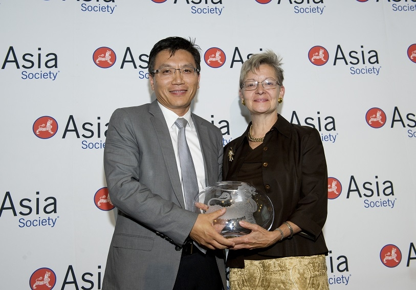 Best Company for Marketing and Appealing to Asian Pacific Americans Winner: Medtronic
