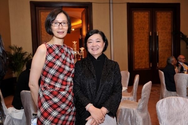 (L to R) Kitty Chou and S. Alice Mong at Asia Society's second annual Art Gala on May 12, 2014. (Asia Society Hong Kong Center)