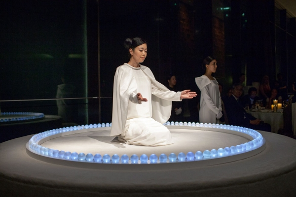 Japanese artist Mariko Mori gave a special performance at the 2013 gala. (Eric Powell/Asia Society)