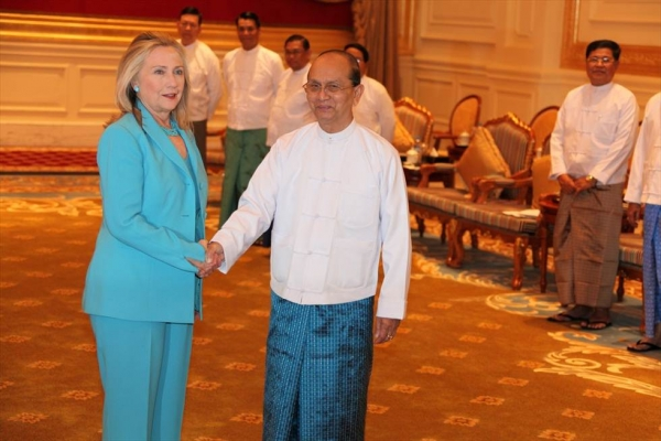 U.S. Secretary of State Hillary Clinton (L) meets with with Burmese President Thein Sein at the Office of the President in Nay Pyi Taw, Burma, on Dec. 1, 2011. (Flickr/U.S. Department of State)