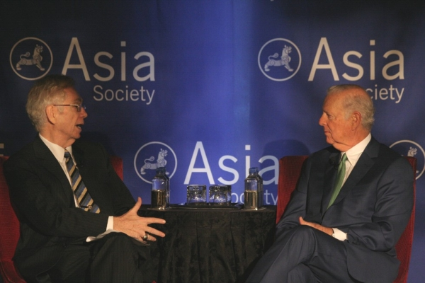 Former U.S. Secretary of State James A. Baker III (R) listens to a question from Asia Society Texas Center Chair Charles C. Foster Thursday, April 12. (Bill Swersey/Asia Society)