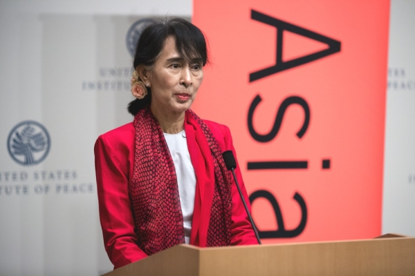 Myanmar parliamentarian Aung San Suu Kyi speaks in the United States for the first time in more than 20 years at the U.S. Institute of Peace in Washington, D.C., Sept. 18, 2012 (Asia Society/Joshua Roberts)