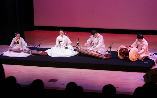 Asia Society presented a concert dedicated to the traditional Korean form known as Pansori in New York on April 12, 2014. (Ellen Wallop/Asia Society)