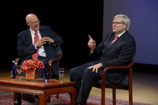 Henry Paulson (L) and Kevin Rudd (R) at Asia Society's event in New York on September 11, 2014. (Elsa Ruiz/Asia Society)