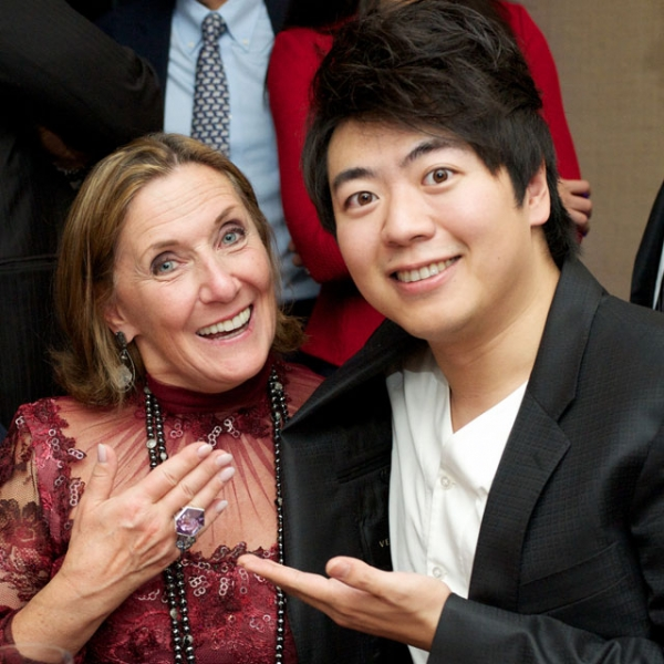 Ann Ziff, Chairman of the Metropolitan Opera (L), and pianist Lang Lang were among the guests on Oct. 16, 2014. (Ann Billingsley/Asia Society)