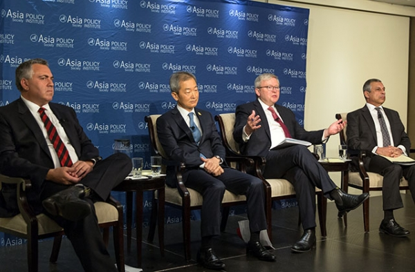 (L to R) Joe Hockey, Ahn Ho-young, Kevin Rudd, and Ashok Mirpuri at Asia Society in Washington, D.C. on December 13, 2016. (Nick Khazal/Asia Society)