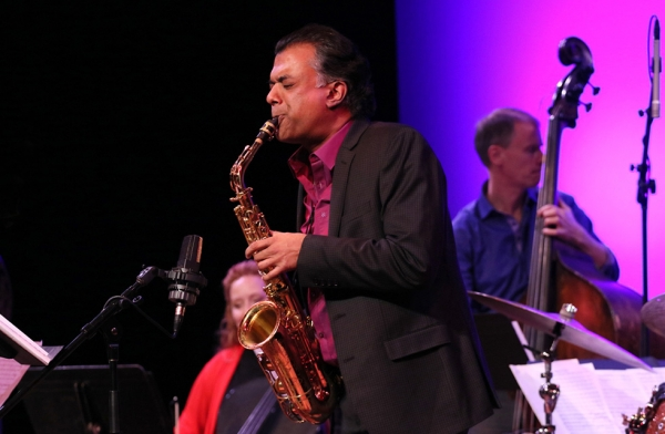 Acclaimed saxophonist Rudresh Mahanthappa plays at Asia Society New York on December 16, 2016. (Ellen Wallop/Asia Society)