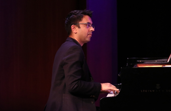 Critically acclaimed musician Vijay Iyer plays the piano at Asia Society New York on December 16, 2016. (Ellen Wallop/Asia Society)