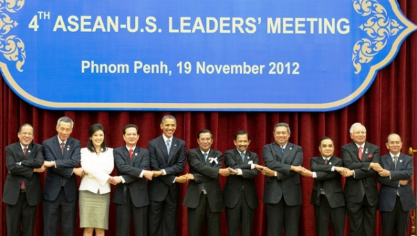 U.S. President Barack Obama poses for the ASEAN-United States Leaders' Meeting family photo at the Peace Palace in Phnom Penh, Cambodia, November 19, 2012. (State Department/William Ng/Flickr)