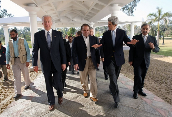 Then-Senators Joseph Biden and John Kerry with Nawaz Sharif during a U.S. congressional election monitoring trip to Lahore, Pakistan, in February 2008. (John Moore/Getty Images)