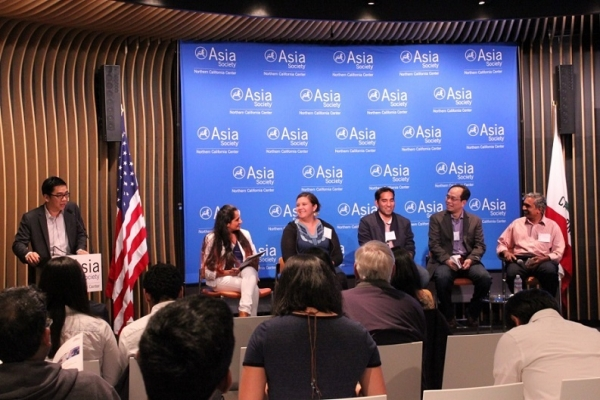 "Robert Hsu, ASNC Associate Director, opens ""Civic Hacking: Code for Social Activism in Asia"" on June 9, 2016. From left to right: Harini Ganesh, Code for India; Nicole Neditch, Code for America; Ashar Rizqi, Code for Pakistan, Ping Yeh, g0v.tw, and Vivek Srinivasan, Liberation Technology Program at Stanford University. (Asia Society)"