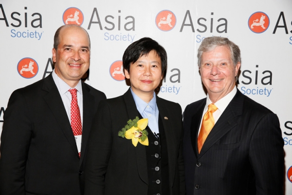 From left, Presenter Tareq Abu-Sukheila, Ginsler, 2015 Urban Visionary award winner I-Fei Chang, President and CEO, Greenland USA and Thomas E. McLain, Chairman Asia Society Southern California pose during the 2015 Asia Society Southern California Annual Gala on Thursday, June 20, 2015, in Century City, Calif. (Photo by Ryan Miller/Capture Imaging)