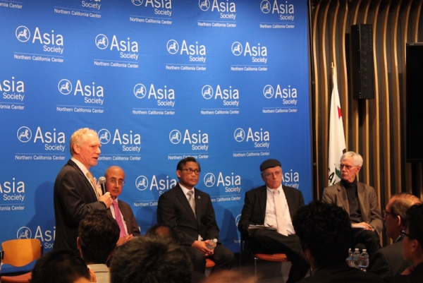 "Pickering starts off the second panel, ""Defusing Tensions over the South China Seas."" (Yiwen Zhang/Asia Society)"