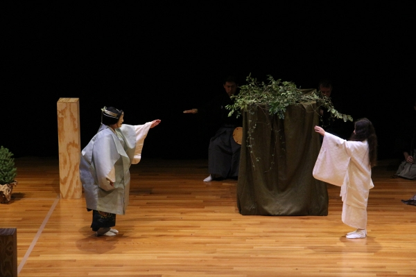 November 8 - Where Rivers Meet, a Contemporary Noh Production:  Medieval Japan and England met in contemporary Texas through this triple-bill inspired by Japanese noh theater and kyogen (Tiffany Chen)