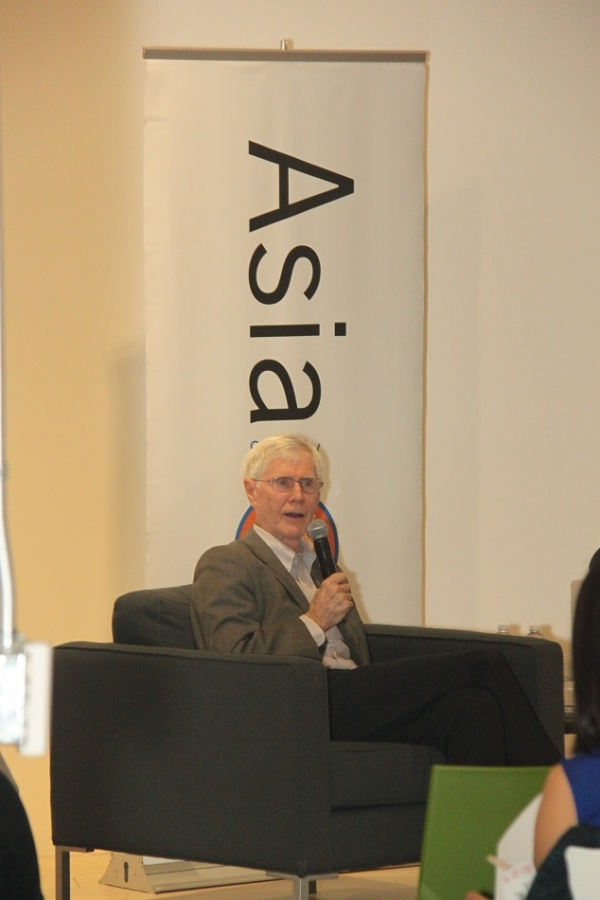Orville Schell, Arthur Ross Director for Asia Society Center on US-China Relations, moderated the dialogue. (Asia Society)