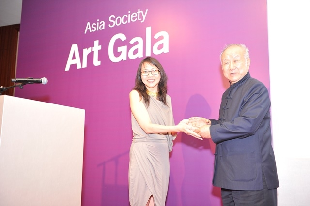(L to R) Yeewan Koon and Liu Guosong at Asia Society's second annual Art Gala on May 12, 2014. (Asia Society Hong Kong Center)