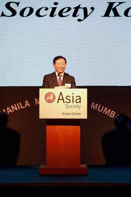 Mr. Dong-Bin Shin, Chairman of Asia Society Korea