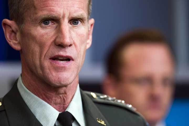 US commander in Afghanistan General Stanley McChrystal (R) speaks during a press briefing with White House spokesman Robert Gibbs (rear) on May 10, 2010. (Jim Watson/AFP/Getty Images)