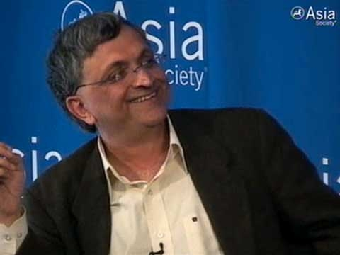 In New York on Mar. 25, 2011, Ramachandra Guha explains why it might be a good thing for Pakistan to beat India in the cricket World Cup semifinal. (49 sec.)