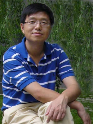 Hu Yong is one of China's leading experts on new media.