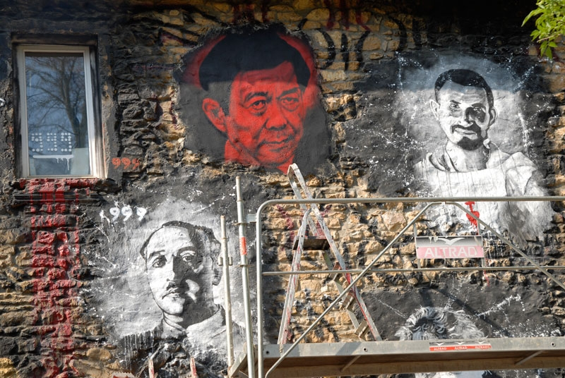 "The likeness of Bo Xilai, in red, adorns the ""Abode of Chaos"" in France. (Thierry Ehrmann/Flickr)"