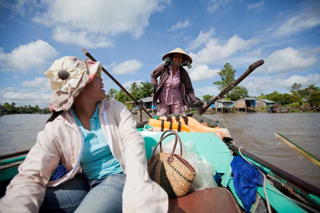 Chat en route to the floating market, near Can Tho. (Hélène Franchineau)
