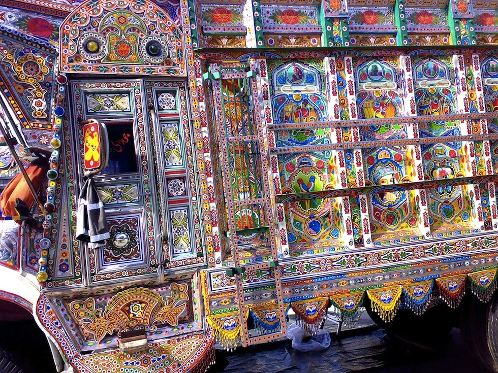A hand painted Pakistani truck. (Christoffer Glosli/Flickr)