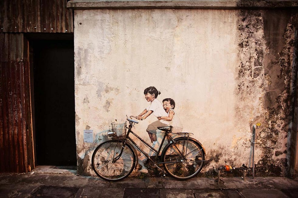 "A closer look at ""Children on a Bike."" (Catherine Mar)"