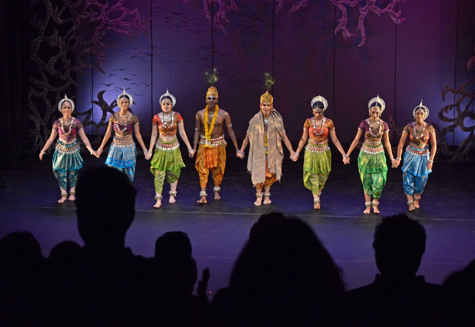 The members of Sutra Dance Theater take a collective bow at Asia Society New York on Nov. 6, 2014. (Elsa Ruiz/Asia Society)